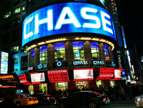 Chase Bank Limits Cash Withdrawals, Bans International Wire Transfers